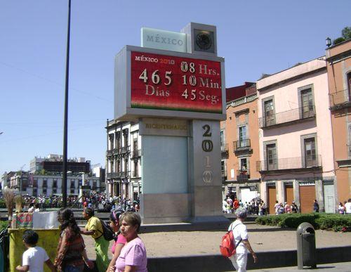 Bicentennial clock