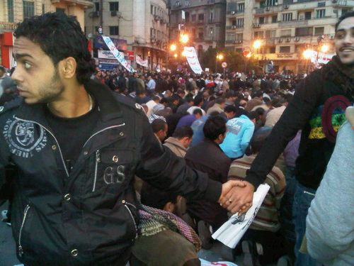 Christians and muslims prayers egypt