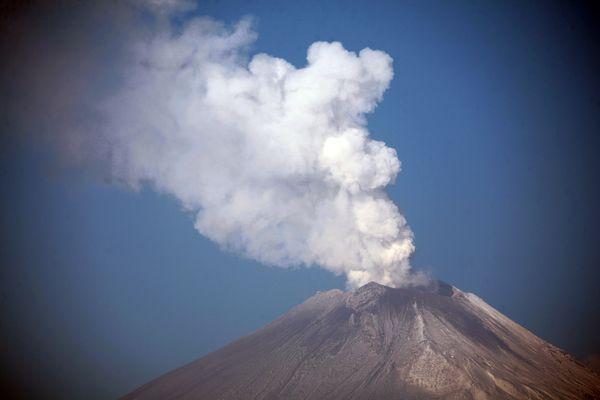 Volcano mexico popo ash