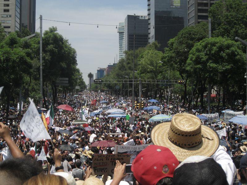 Mexico protest demonstration anti pri debate mexico city daniel hernandez