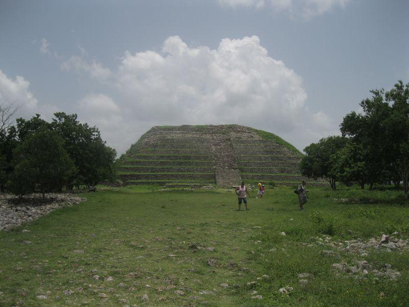 Pyramid izamal