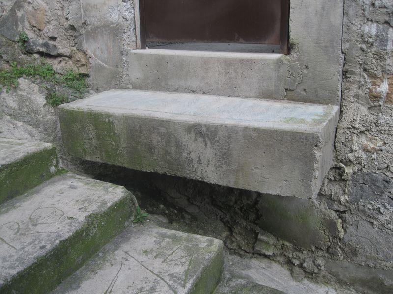 Ingenious house