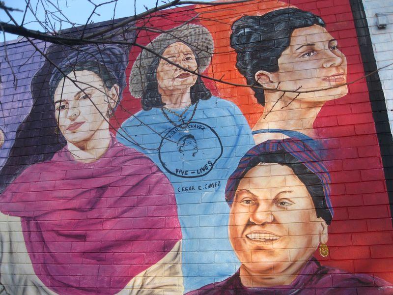 Pilsen mural women